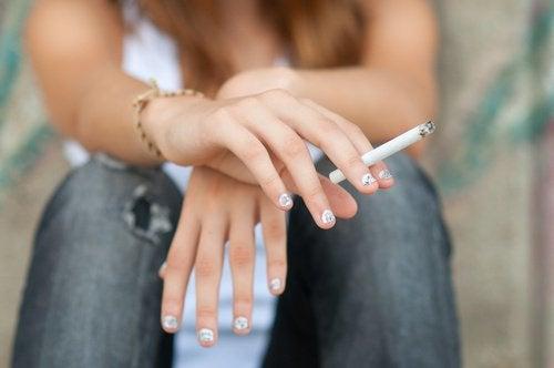 التدخين يضر الدماغ