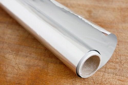 ورق الألومنيوم – 10 طرق مبتكرة لاستخدام ورق الألومنيوم في المنزل