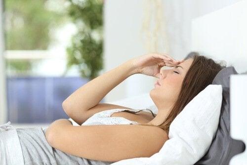 يمكن للإجهاد العقلي والجسدي أن يظهر بسبب فرط الجهد المبذول يوميًا أو العادات الغير صحية