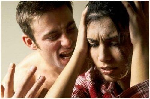 الإيذاء النفسي – 5 عواقب يجب عليك الانتباه لها