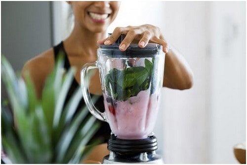 خسارة الوزن – 4 مشروبات طبيعية فعالة تساعد على إنقاص وزنك