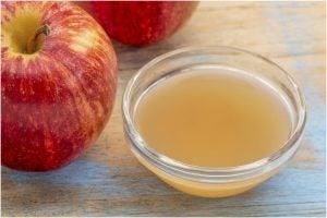 وعاء مليئ بخل التفاح