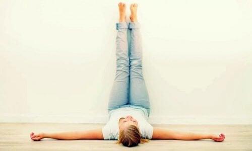 لماذا تحتاج إلى تنفيذ تمرين رفع الساقين لمدة 20 دقيقة يوميًا؟