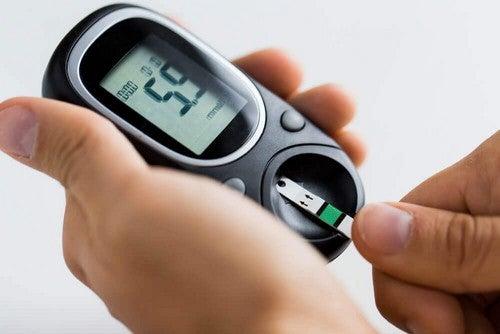 جهاز قياس سكر الدم