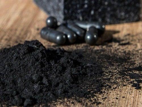 علاج جير الأسنان بوساطة الفحم الكربون