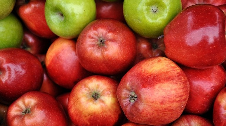 قناع التفاح وزيت الزيتون