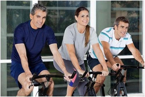 سن الأربعين – تمارين رياضية مثالية لمن تخطوا حاجز الأربعين