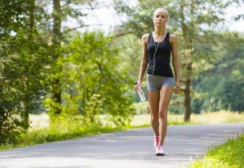 رياضة المشي - تعرف على فوائد ممارسة المشي بشكل يومي