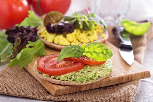 سعرات حرارية سلبية – اكتشف معنا 7 أطعمة ذات سعرات حرارية سلبية