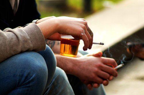 الكحول والتبغ