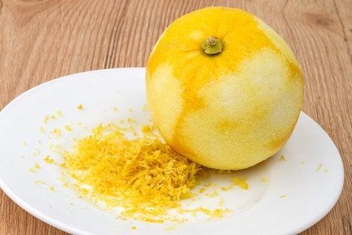 بشر قشر الليمون