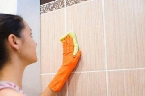 5 حلول صديقة للبيئة لتنظيف فواصل البلاط