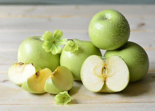 تفاح و سموم الجسم