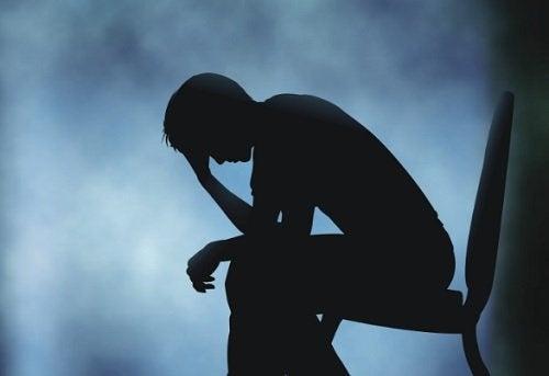 حالة الحزن – ما هي التأثيرات الفيزيائية للحزن على جسدك؟ لنتعرف معًا عليها