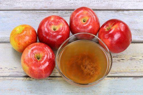 خل التفاح لعلاج نشوب الظفر