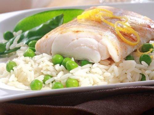سمك وأرز