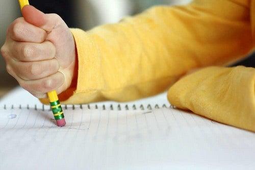 صعوبات التعلم – هذه الصفات من المحتمل أن تشير إلى أن طفلك يعاني منها