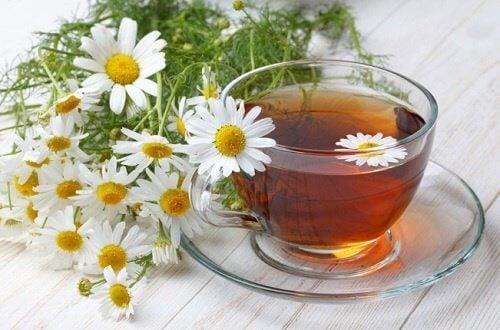 فنجان من شاي الكاموميل