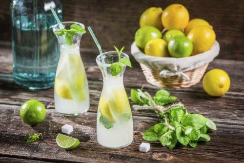 دهون منطقة البطن – 3 مشروبات طبيعية تساعدك على التخلص من هذه الدهون المزعجة