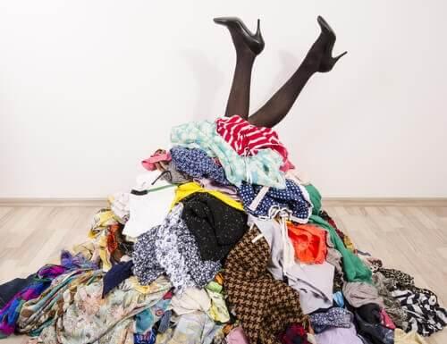 خزانة الملابس – أفكار تساعدك على تنظيم ملابسك