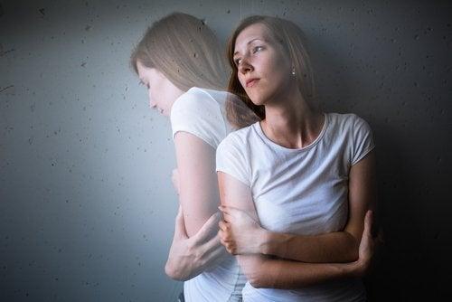 نوبات القلق النفسي – اكتشف هذه النقاط الأساسية التي ستساعدك على استعادة الهدوء