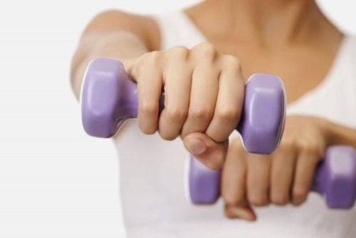 ترهل الثدي – 8 نصائح وعلاجات تساعدك على التخلص من المشكلة