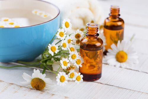 أفضل 5 علاجات منزلية لانتفاخ العينين والهالات السوداء