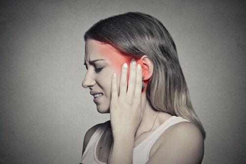 طنين الأذن – اكتشف كيف تستطيع مكافحته عن طريق استهلاك أطعمة معينة