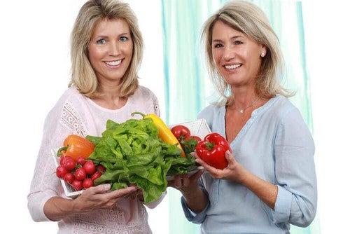فترة سن اليأس – 5 مفاتيح من أجل حمية غذائية لفقدان الوزن خلال سنّ اليأس