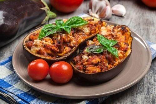 الباذنجان المحشو باللحم  – وصفة جديدة ولذيذة لطهي الباذنجان