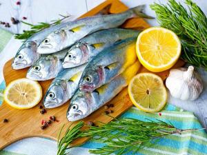 سمك وليمون