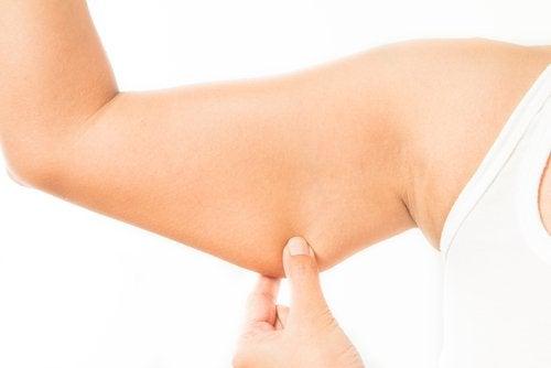 5 نصائح للحصول على ذراعين مشدودتين ومتناسقتين