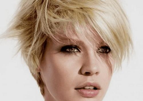 تسريحات الشعر - إليكِ 5 تسريحات للشعر لتبدين أصغر سنًا