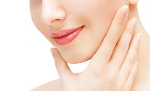 تمارين عضلات الوجه لشد ترهل الجلد