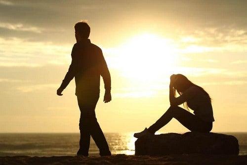 العلاقات - أفضل النصائح فيما يخص الانفصال عن الأشخاص الذين لا يشعرون تجاهك بالحب