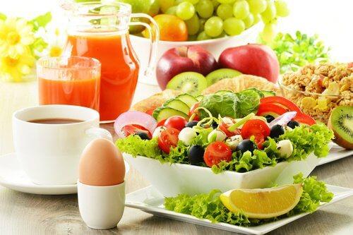 السلطات لإنقاص الوزن – مفتاحك للحفاظ على الوزن المثالي دون التضحية بالطعم اللذيذ