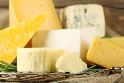 أنواع من الجبنة الفرنسية و السويسرية