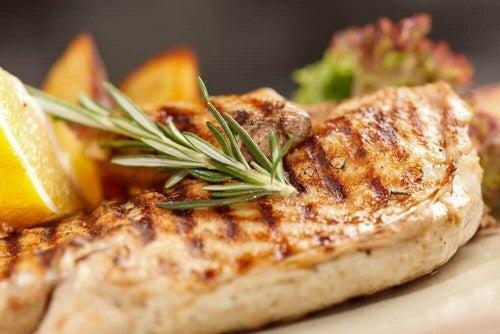 صدور الدجاج – 3 وصفات صحية لطهي أطباق صدور دجاج شهية ولذيذة
