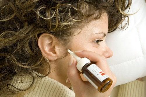 إزالة شمع الأذن – 7 علاجات طبيعية تساعدك على التخلص من شمع الأذن المتراكم