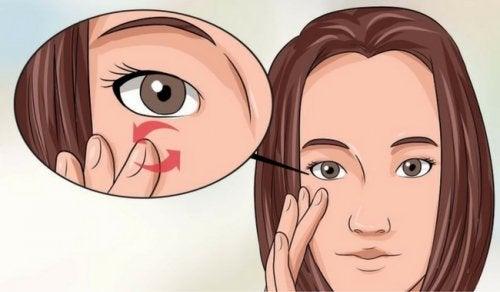 العناية بالعينين – 5 أخطاء ترتكبها فيما يتعلق بالعناية بالعينين