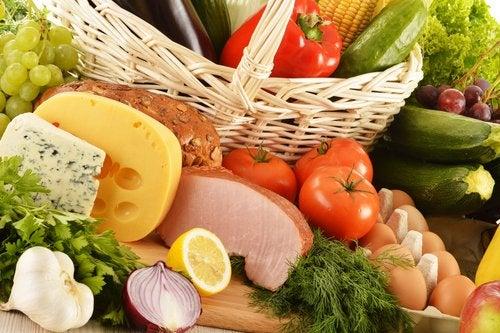 اتباع نظام غذائي متوازن