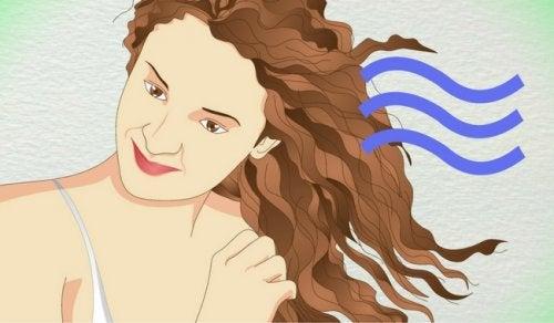 تجعيد الشعر – 4 وسائل آمنة يمكنك الاستعانة بها لتجعيد شعرك
