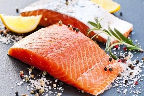 شريحة من سمك السلمون