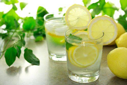 جودة النوم - استهلك شراب الليمون قبل النوم لمكافحة الأرق