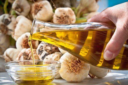 علاج زيت الزيتون والثوم