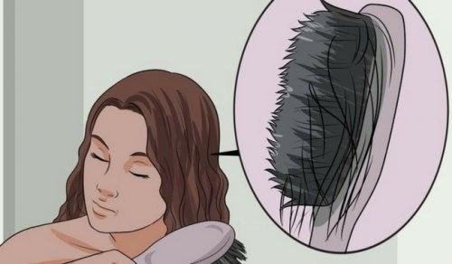 ترقق الشعر – اكتشف أسباب ترقق الشعر وكيفية مكافحة الحالة