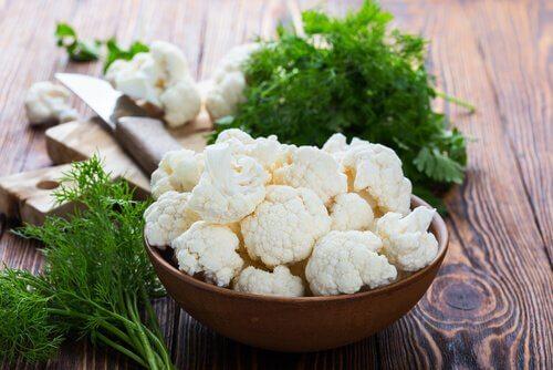القرنبيط بالبشاميل - وصفة قرنبيط لذيذة، صحية وسهلة التحضير
