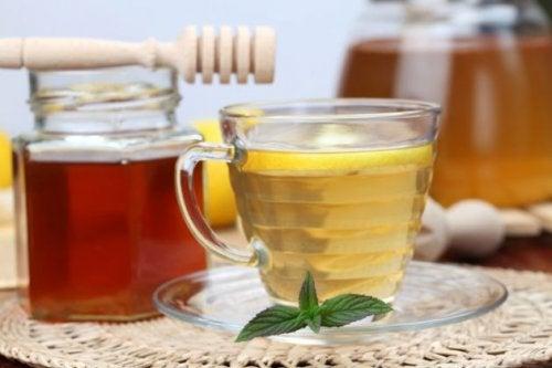خل التفاح والعسل لـ علاج مشاكل النوم