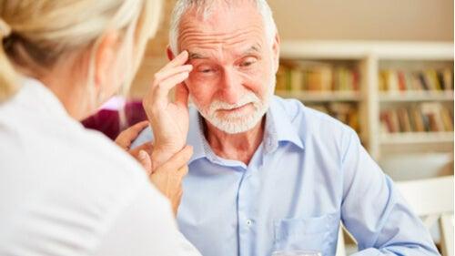 داء الخرف – 8 علامات تشير إلى الإصابة يجب على الجميع معرفتها