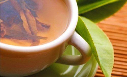 شاي الصفصاف الأبيض